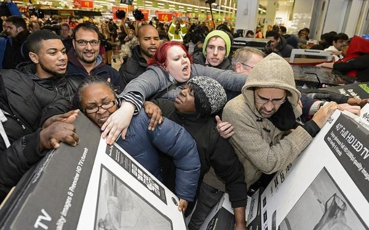 Retailers Are Finally Realizing That Starting Black Friday on Thanksgiving Is a Terrible Idea